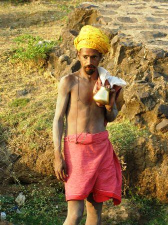 pilgrim in India - circumnavigating the holy Namada river