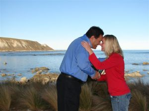 Maurice (Maori Tours, Kaikoura) greets a guest with the traditional hongi