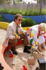 web sir cliff in sandpit