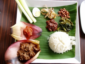 'Banana leaf' curry