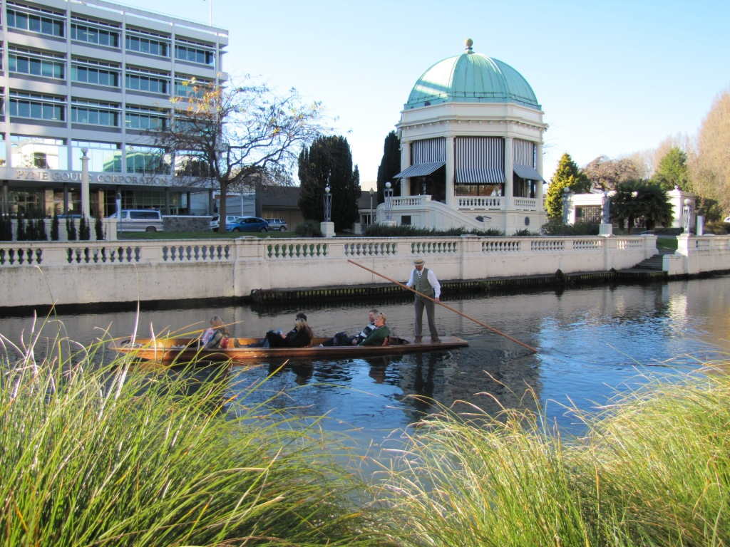 Punting on the Avon, with band rotunda in the background