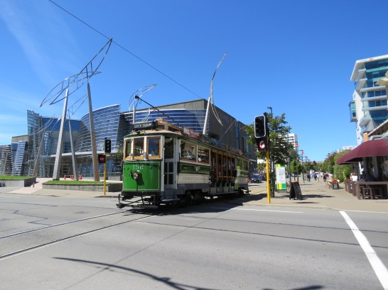 Tram 152 passes the Christchurch City Gallery